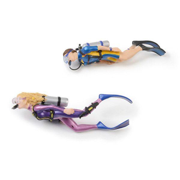 Set of Divers