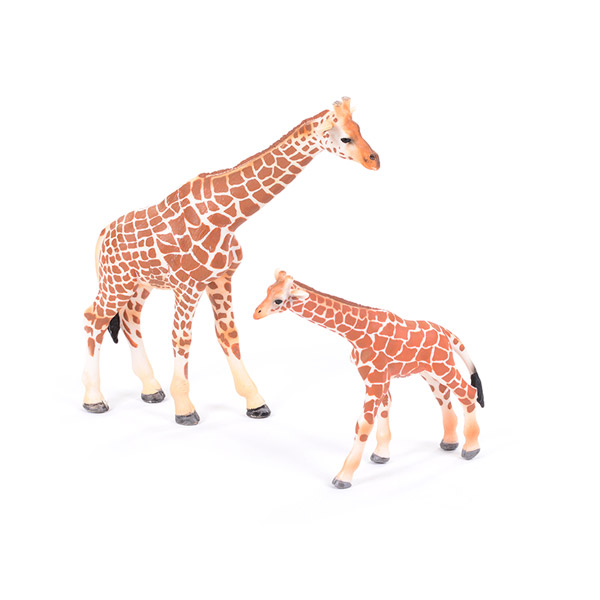 Giraffe Adult & Baby 1